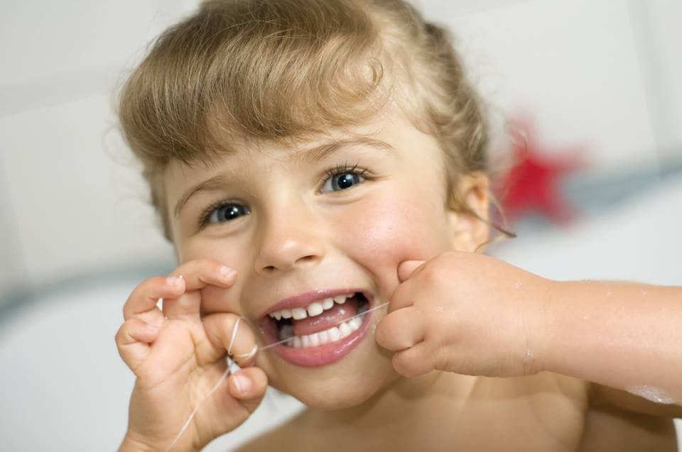 Clínicas Den - Hilo dental: Todo lo que necesitas saber