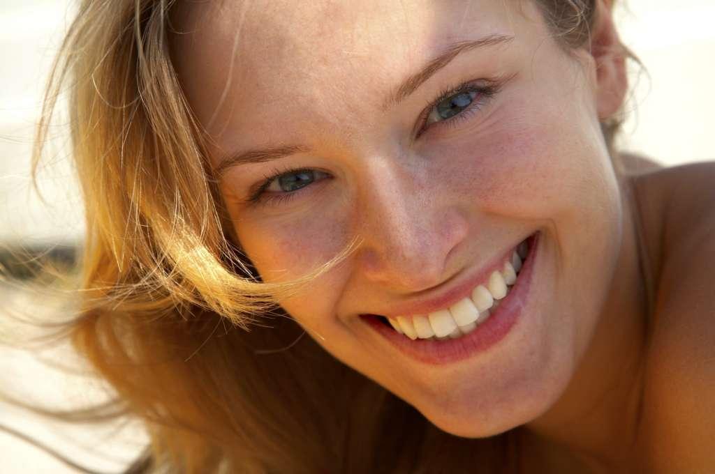 Clínicas Den - Consejos para cuidar nuestra sonrisa en vacaciones