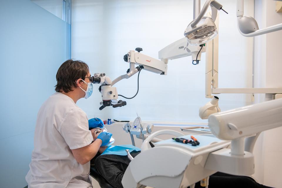 Clinicas Den - Endodoncia en Barcelona