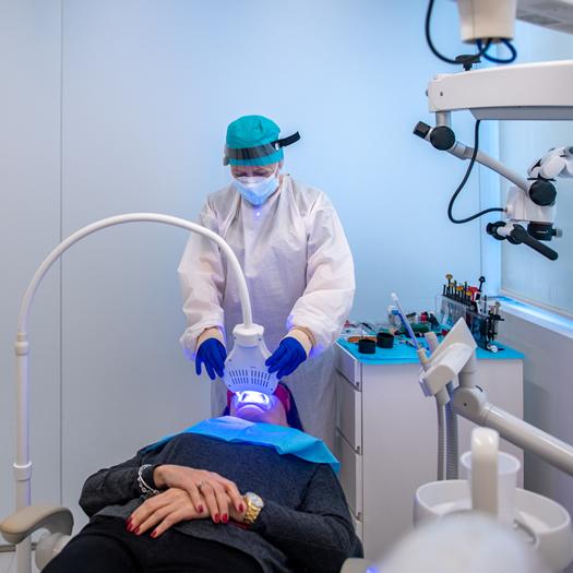 Clinicas Den - Estetica Dental - Blanqueamiento Dental