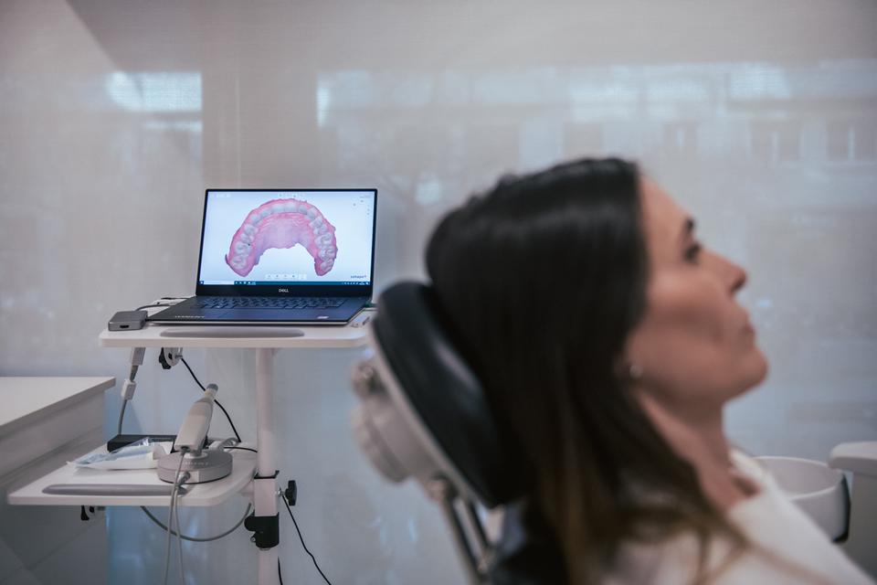 Clinicas Den - Rehabilitacion Oral en Barcelona