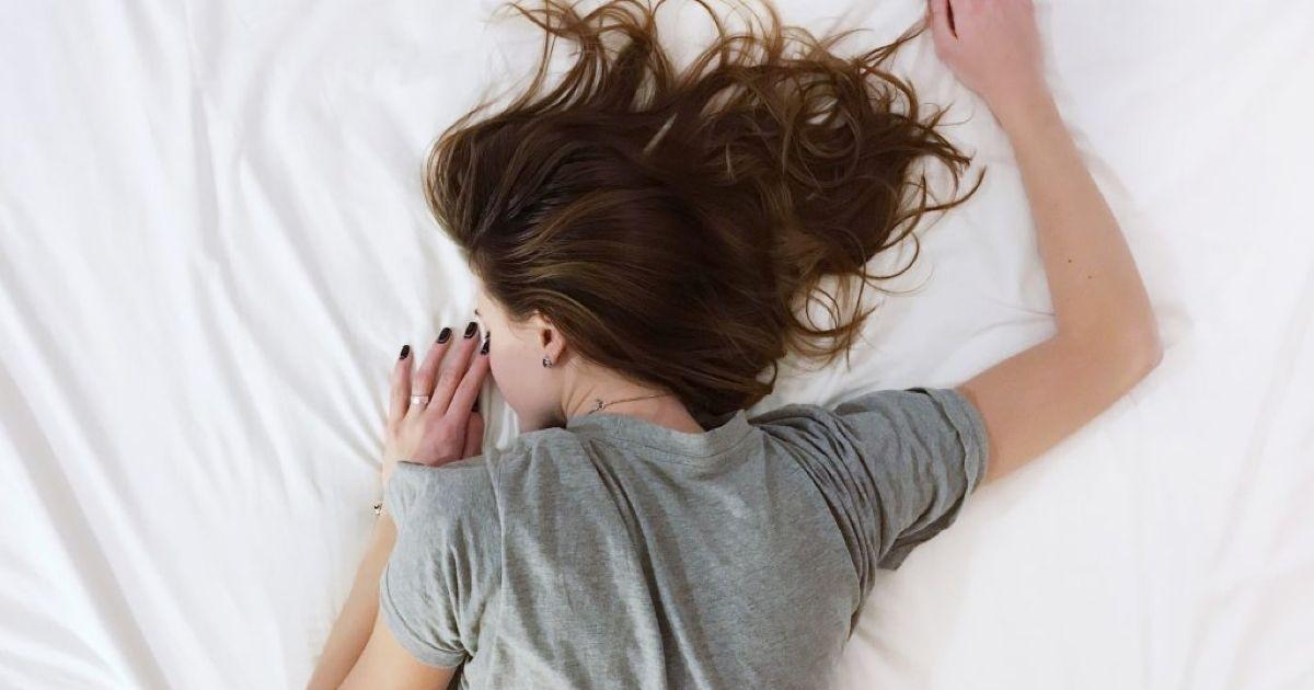 Clínicas Den - ¿Cuáles son los principales signos y síntomas de la apnea del sueño?