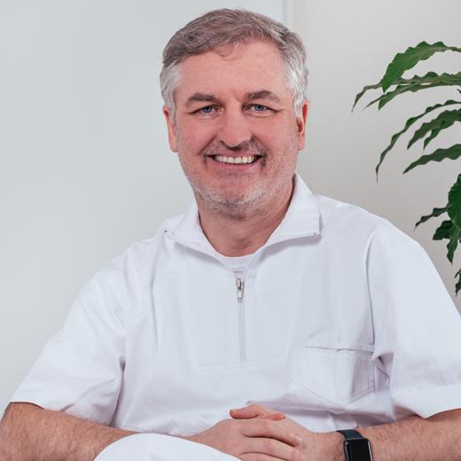 Clinicas DEN - Ortodoncia Invisible - Dr Alberto Canabez